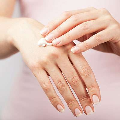 Dry hands and moisturizer