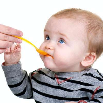 introducing solids to babies